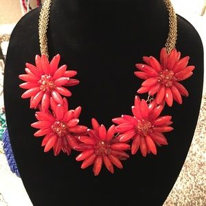 Jewelry - Gorgeous Floral Necklace - Orange-Red color- bulky
